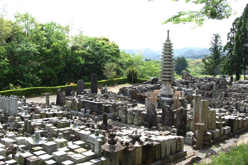 陵石匠,開眼供養と永代供養墓への移動の完了